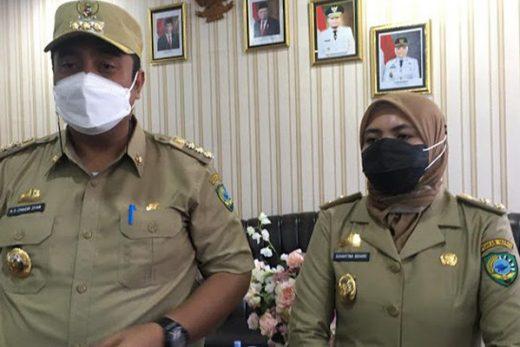 Bupati Maros Chaidir Syam dan Wakil Bupati Maros Suhartina Bohari